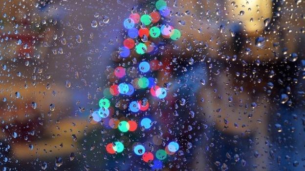 rain-and-christmas-lights