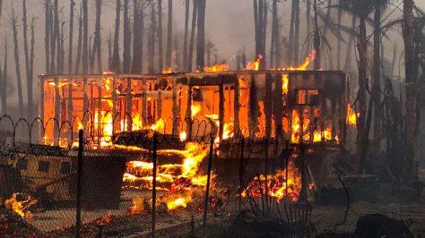 thomas fire 120717 HG_1512701364997_9604901_ver1.0_640_360
