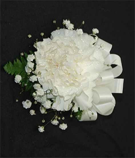 single-carnation-corsage-140725103145