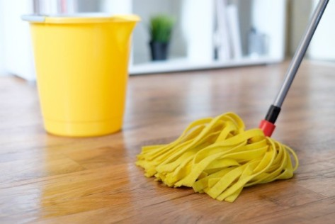 cleaning_hardwood_floors_l4